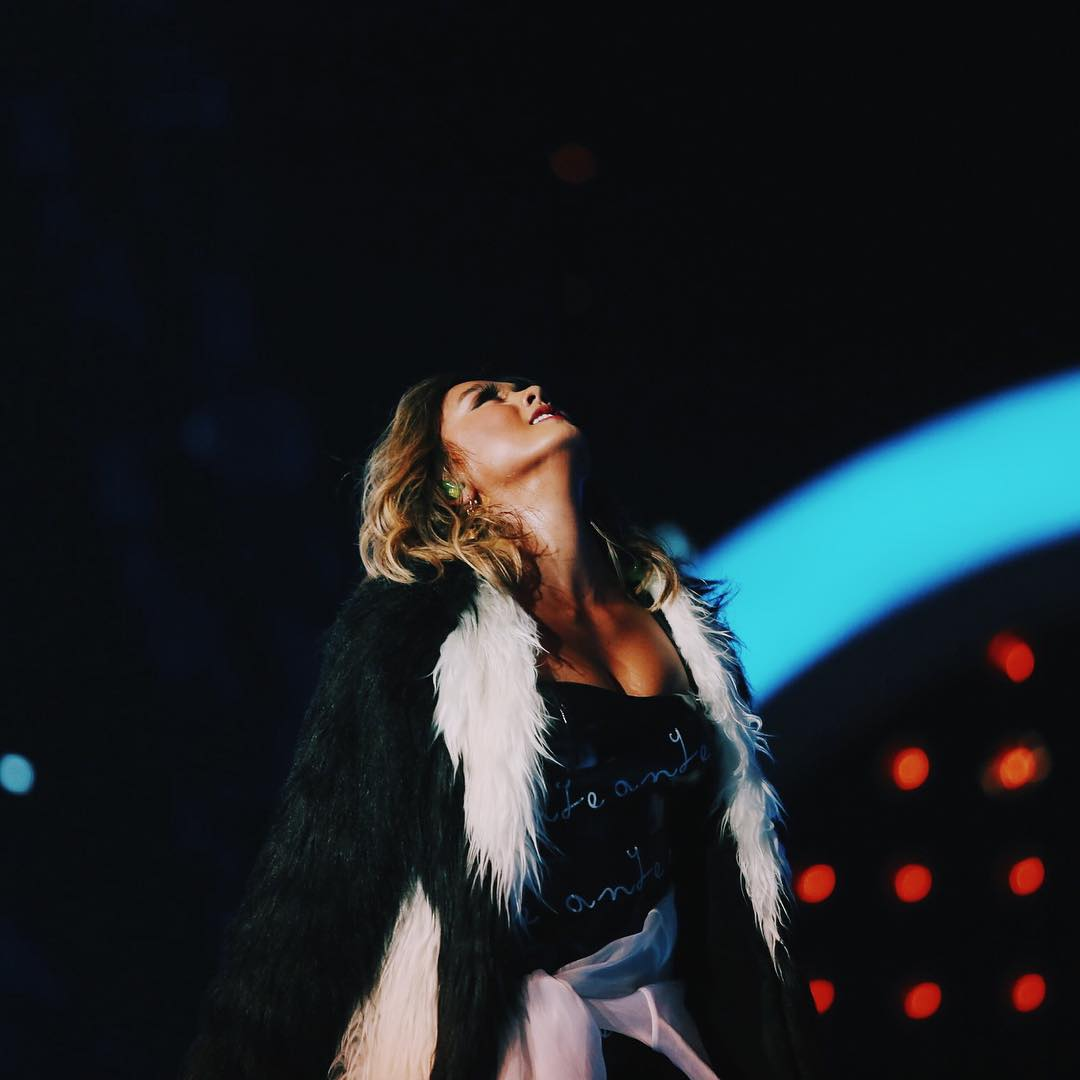 Vote for #AgnezMo for #SocialStarAward #iHeartAwards. RT to vote!  https://t.co/IaZIkYVLVs https://t.co/nquGcpr3q3