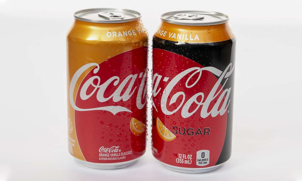 Orange Vanilla Coke is the first new flavor in over 10 years: �� �� �� https://t.co/Xcuvqqj5UZ https://t.co/l7FCQ8Ee3E