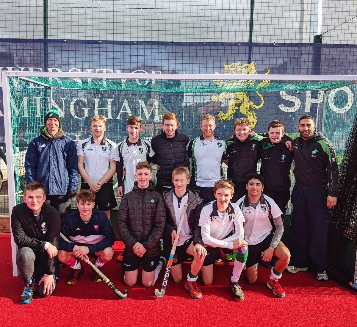 Proud day for the club. Seven under-18s in our Men's 1st XI squad that eventually lost out 3-1 to @UOBHC1 in the cup. Great effort from all! 💪🏼  #WeAreHampton 💚🖤💚
