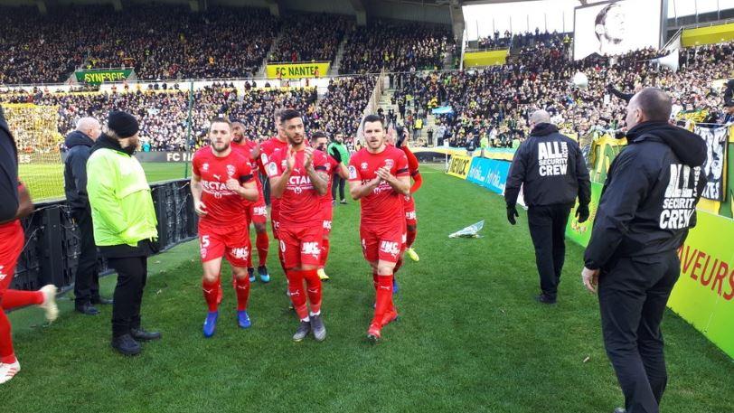 24e JOURNÉE DE LIGUE 1 CONFORAMA : FC NANTES - NIMES OLYMPIQUE  - Page 2 DzDiDI1W0AAJGGw