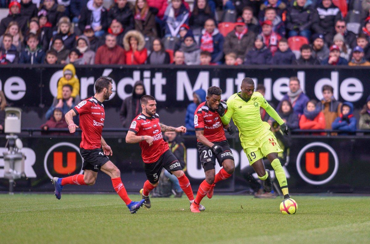 Liverpool também tem interesse no atacante Nicolas Pépé, do Lille
