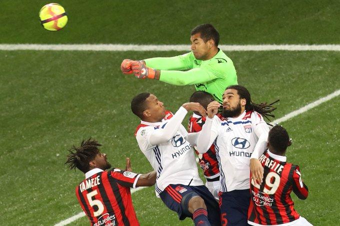 Championnat de France de football LIGUE 1 2018-2019-2020 - Page 14 DzE2RtoWwAY3Vmx?format=jpg&name=small