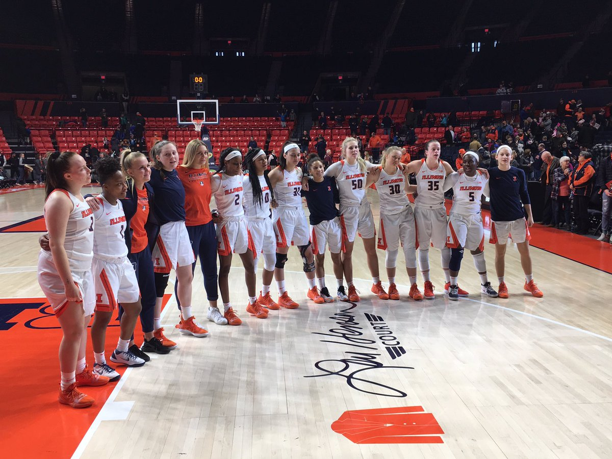 VICTORY ILLINOIS VARSITY!! #ILLINI WIN! @IlliniWBB knocks out Bucky Badger to cap off a great weekend for @IlliniAthletics! Let's keep building that momentum, #ILLINI! 🔶🔷💪