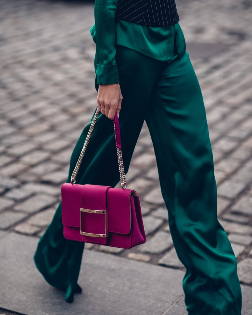 #NYFW trend alert: structured bags in electric hues. #StreetStyle