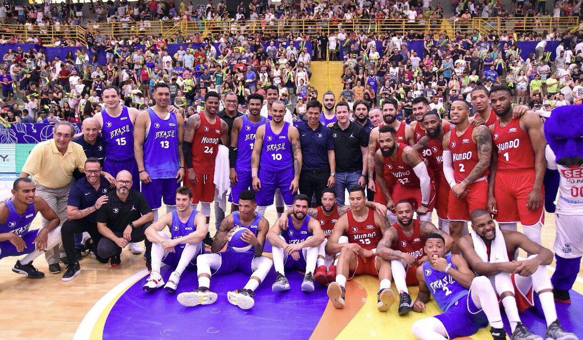 All-Star Game in Brazil, blessed to be here and help this national league grow! 🇧🇷🏀   O Jogo das Estrelas como sempre um momento de união da nossa comunidade do basquete! #Obrigado 🙏  #BeepBeep