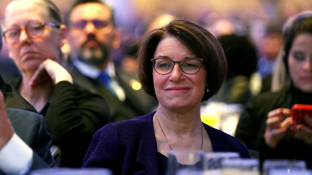 Midwesterner Klobuchar joins crowded 2020 race https://reut.rs/2E42mta