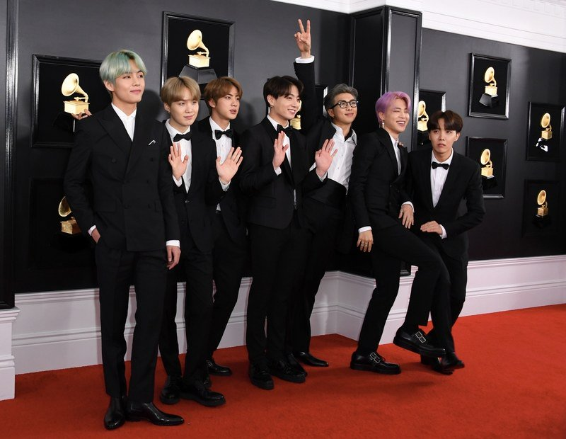 .@bts_twt makes their #Grammys red carpet arrival. https://t.co/WwFF5UCWpE