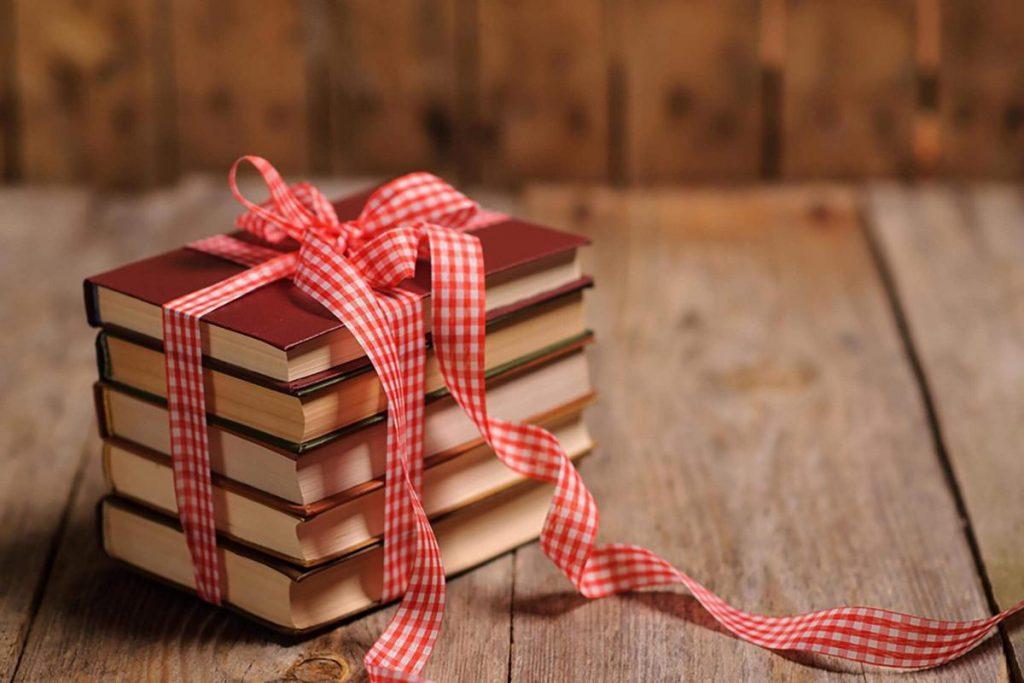 Рубашка февраля, книга лучший подарок картинки с надписями