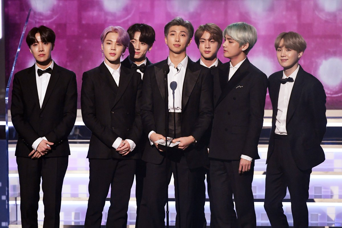 😍😍😍 look at our boys on the #GRAMMYs stage where they belong! #TearItUpBTS