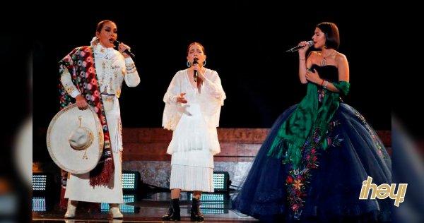 Milenio.com's photo on Angela Aguilar