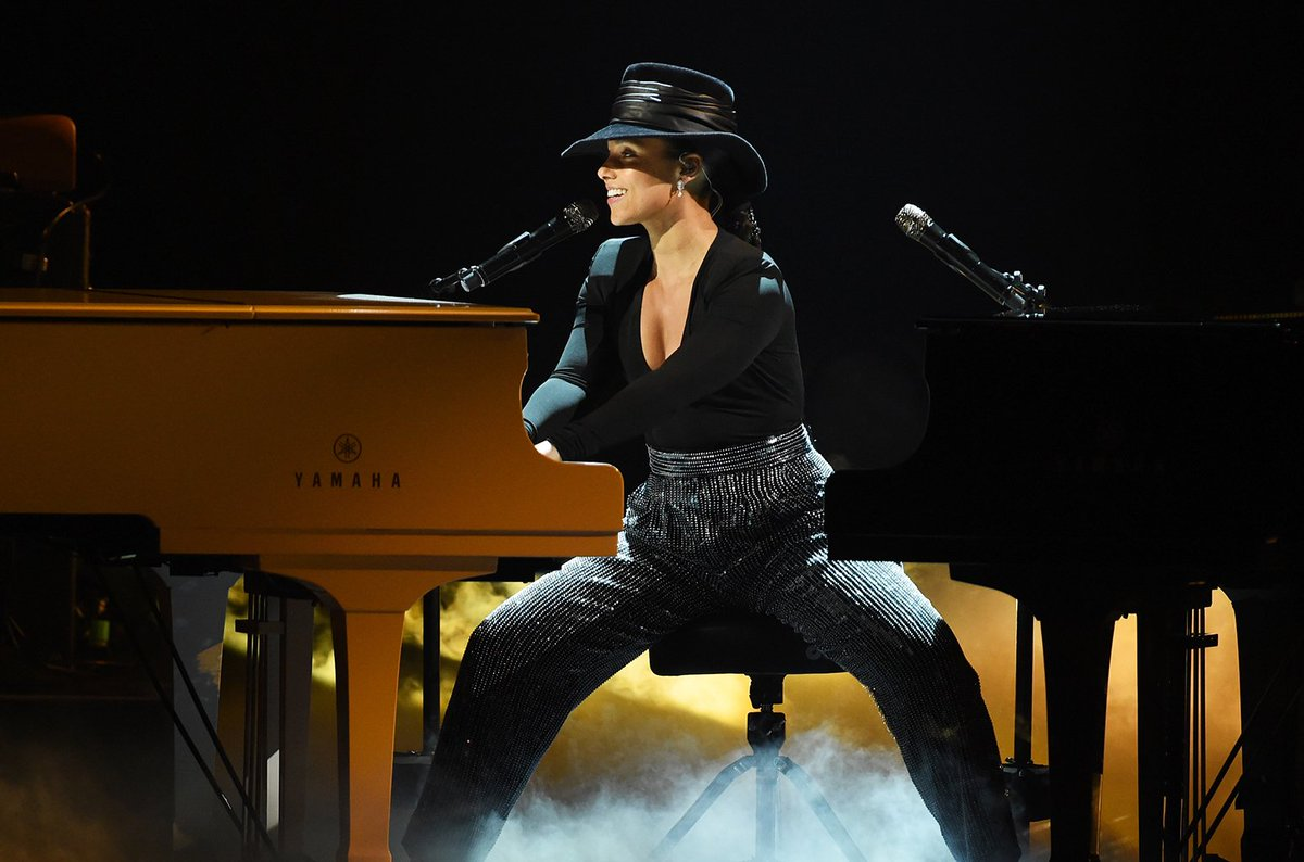 Exclusive: @aliciakeys' #GRAMMYs performance on two pianos was the top talking point on Facebook https://blbrd.cm/2eW44l