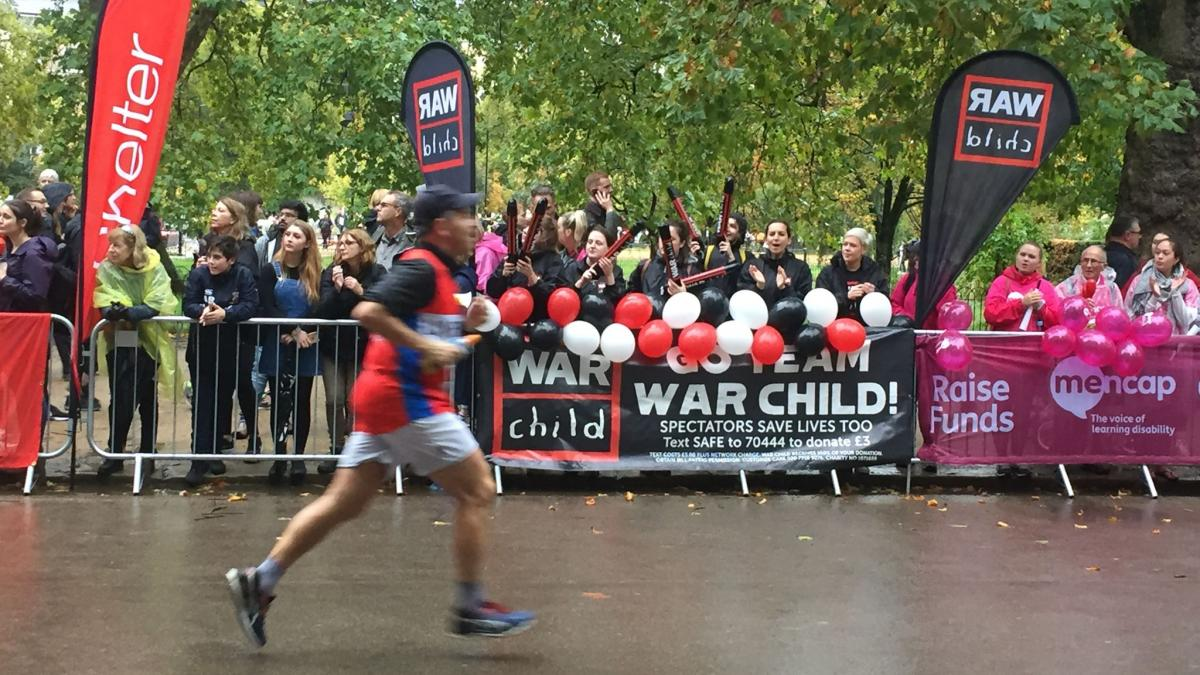 Best thing about doing the #RoyalParks? Our awesome cheering squad 📣 Helping children affected by war 🖤 Sign up now: http://bit.ly/WCUK_RoyalParks