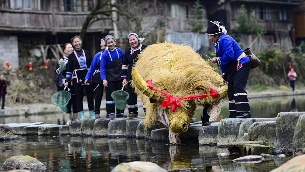 Dong people's traditional farming culture draws tourists #SpringFestival2019 https://t.co/gd8EG5DKPY