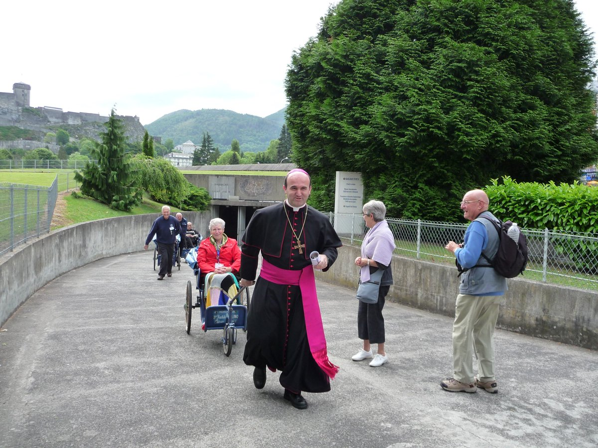 Jose Ignacio Munilla's photo on Nuestra Señora de Lourdes