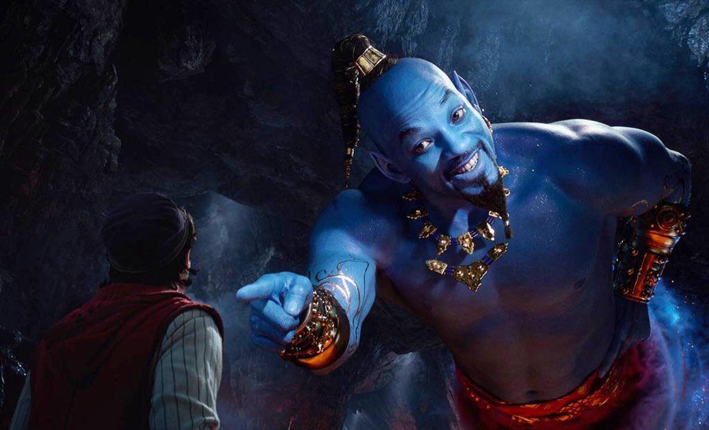 DzHUg83X4AA IBy Sale el tráiler de '#Aladdin ' y Will Smith luce muy raro como El Genio