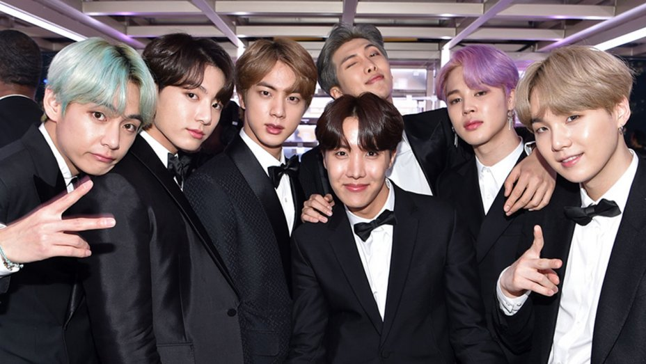 How @BTS_twt made #GRAMMYs history https://t.co/JY92jCiZEp https://t.co/AzVGrPd6DB