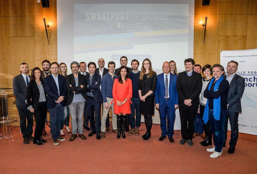 Marseille : ces sociétés qui vont contribuer à inventer le port du futur http://sur.laprovence.com/mF5 Les 7 lauréats du #Smartport challenge viennent d'être divulgués. Ils ont désormais pour défi de construire le port de demain d'ici à juin prochain !