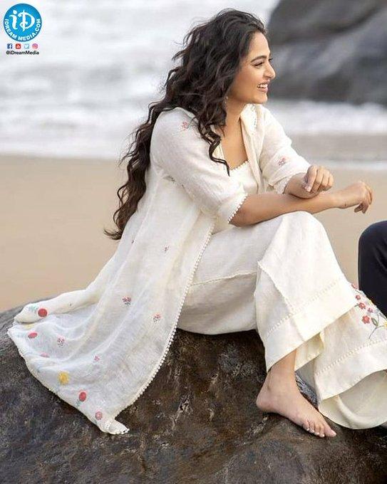 #AnushkaShetty Photo