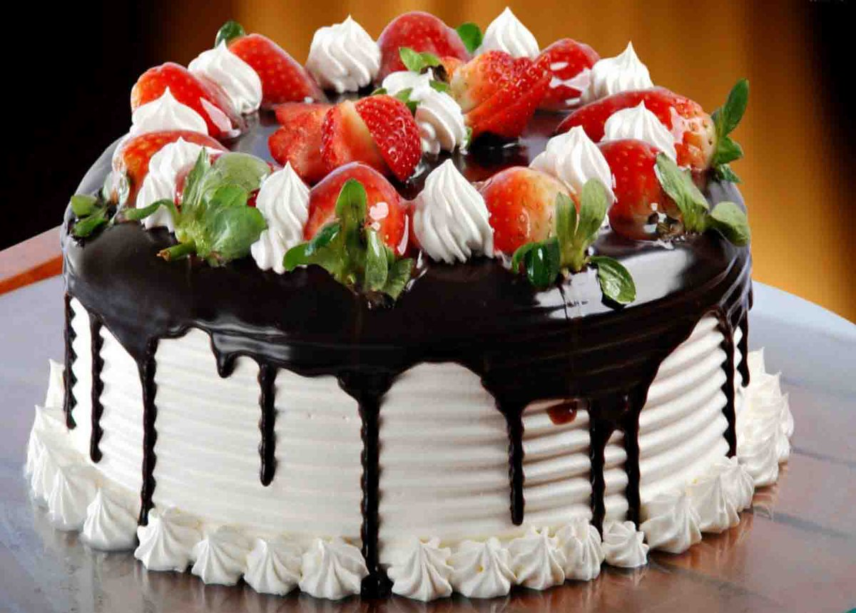 Красивые открытки с тортом с днем рождения женщине