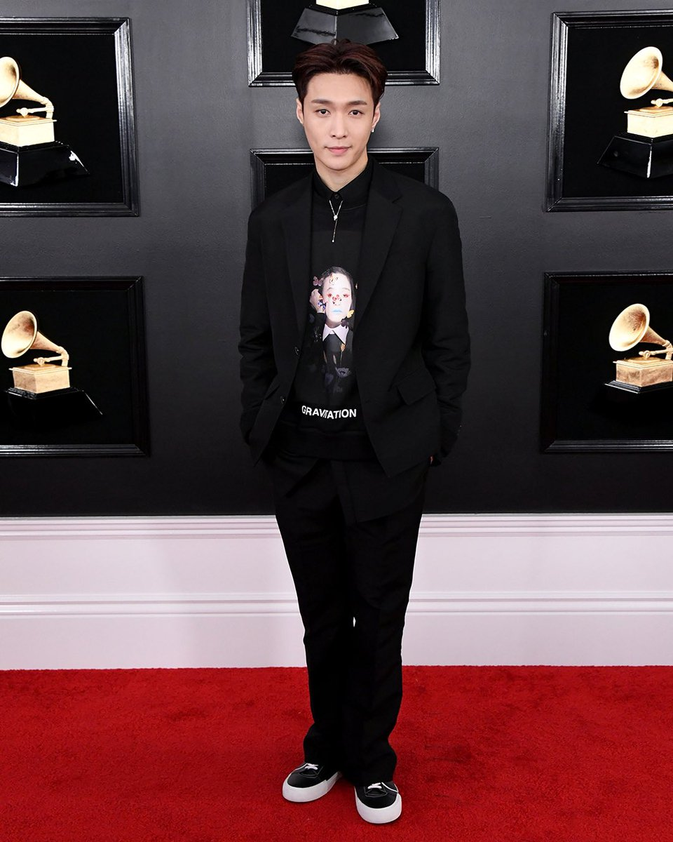 Elegance revisited. To the 61st Annual #Grammy Awards, @LAY_zhang_ wore a look fro#ValentinoPreFall19m  b#PierpaoloPiccioliy .