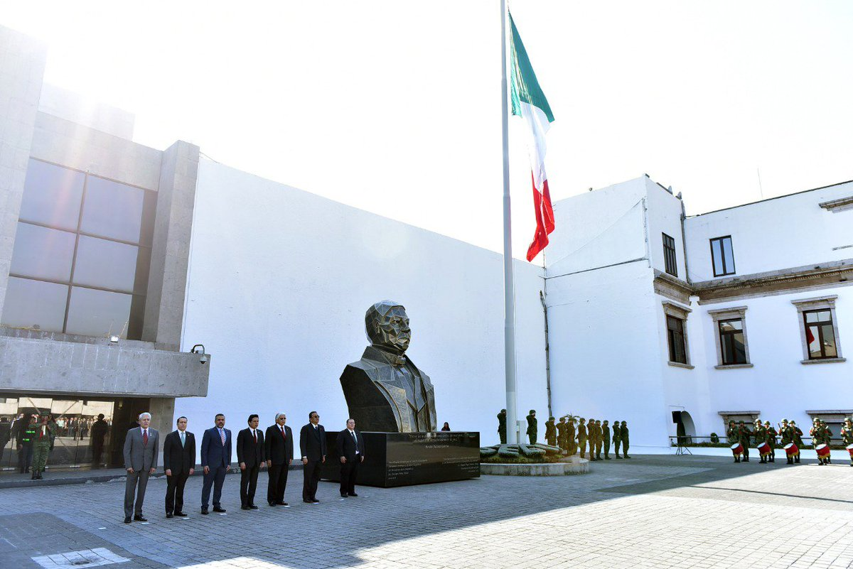 Carlos de la Portilla's photo on Honores a la Bandera