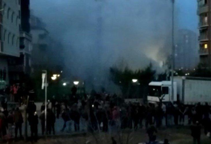 İstanbul Sancaktepe'de üç ay içinde ikinci askeri helikopter düştü: Dört asker yaralı cumhuriyet.com.tr/haber/turkiye/…