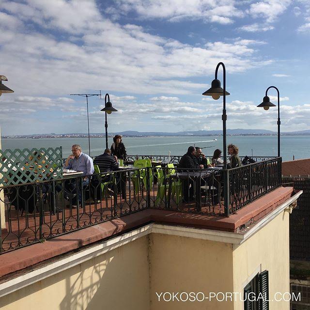 test ツイッターメディア - リスボンのシアード地区にある、ランチのみオープンの眺めの良い食堂。メニューは3種類の日替わり定食のみ。量が少なめなので女性におすすめです。 (@ Cantina das Freiras in Lisboa) https://t.co/kDAOajSWZe https://t.co/VmAH8tVVmO