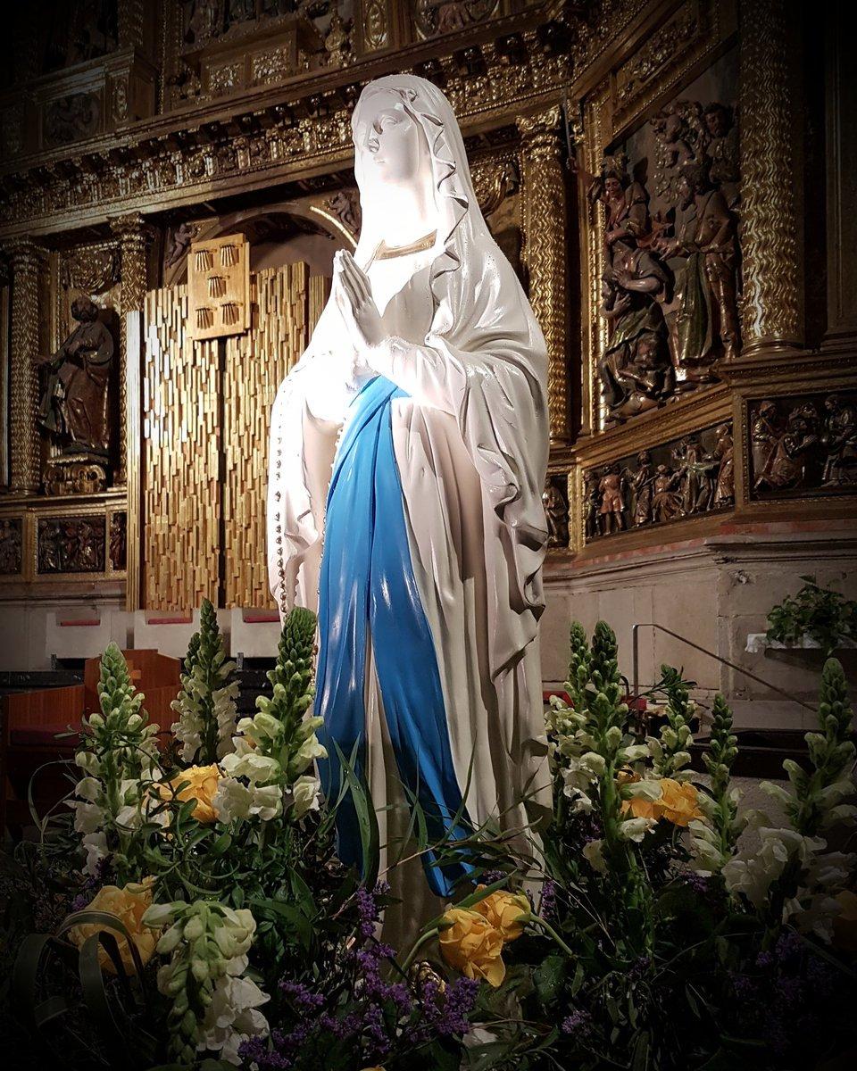 CaraotaDigital's photo on Virgen de Lourdes