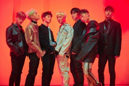 KoreanUpdates!'s photo on Album of the Year