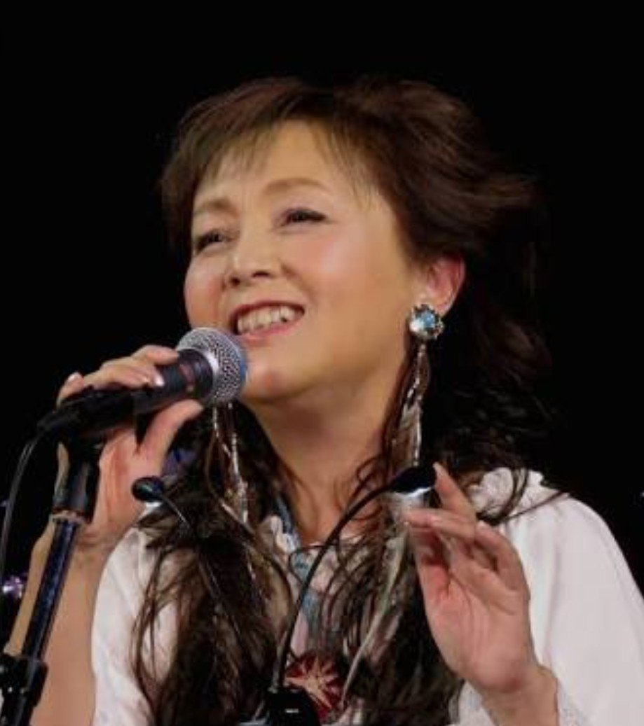 RT @hBqJIjZdvzxUYn9: #歌のゴールデンヒット #堀江美都子 私にとっての『歌姫』は 堀江美都子さんです。  『恋は突然』 『星屑のシャンデリア』 『あしたがすき』  …本当に素敵な歌声~(>_<) https://t.co/CRwHUMWVuQ