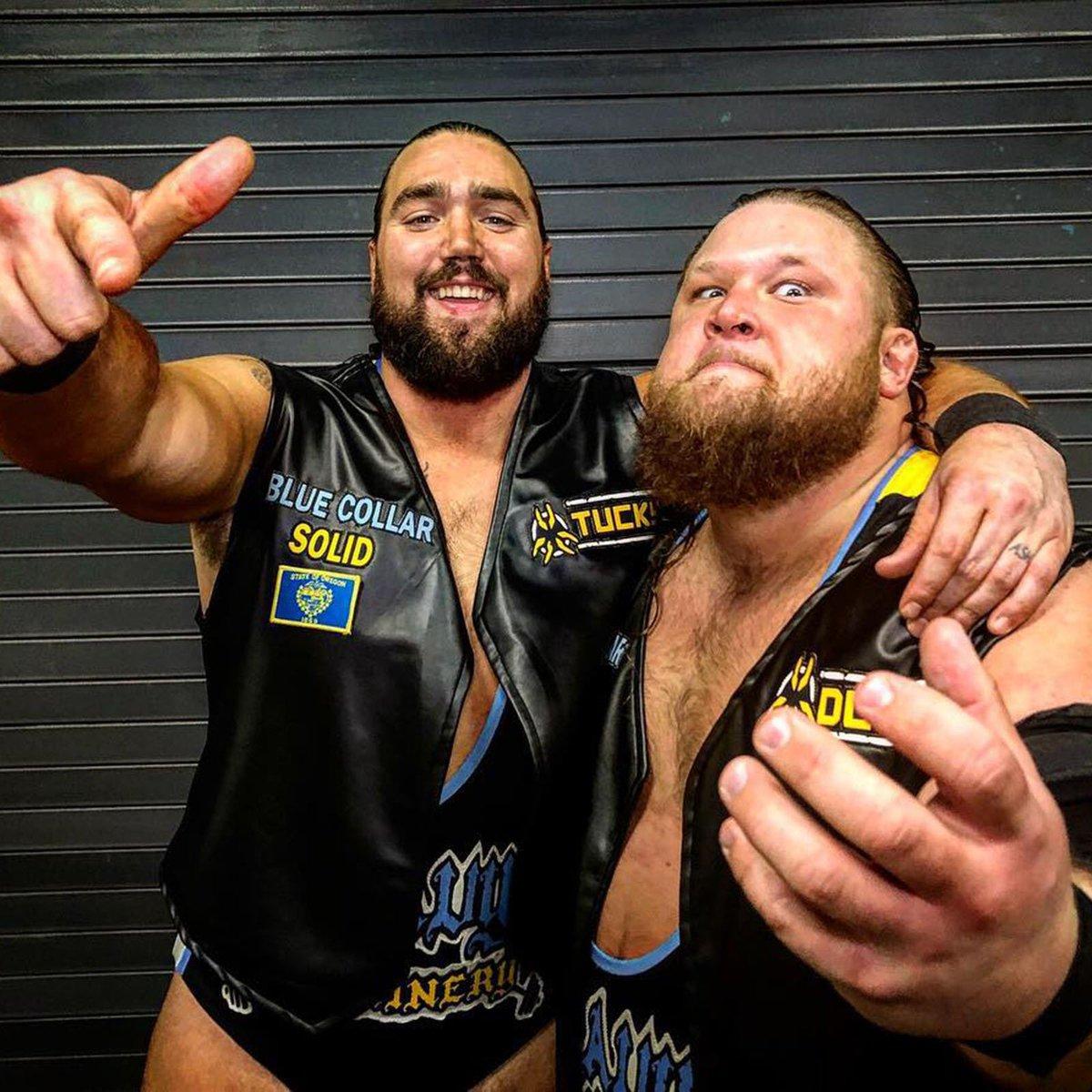 #HeavyMachinery vont encore créer la sensation ce soir à #Raw ? @otiswwe @tuckerwwe