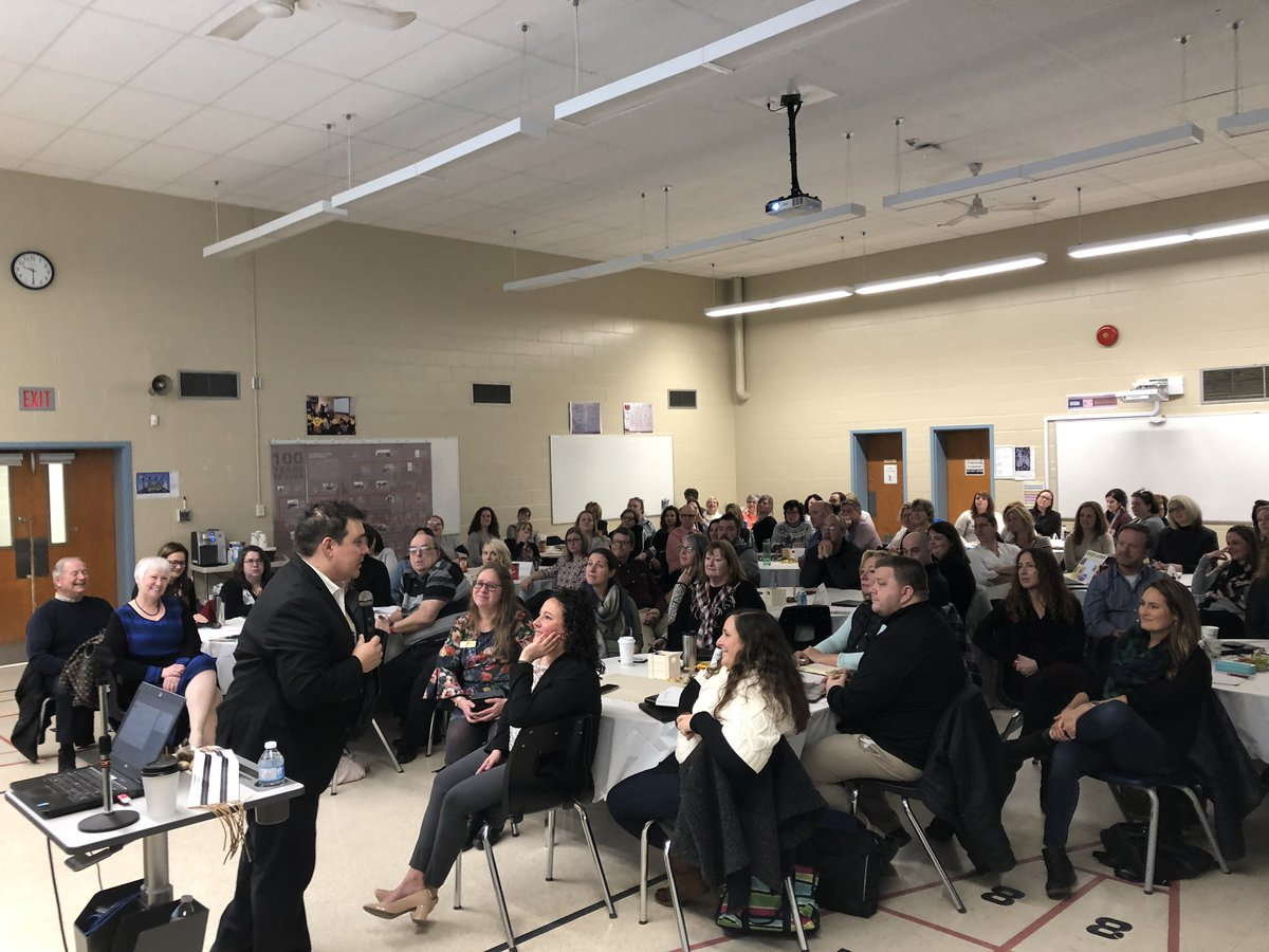 Full house of @HPEschools teachers and administrators taking in great messaging from @Niigaanwewidam #EducationAsReconciliation #IndigenousEd