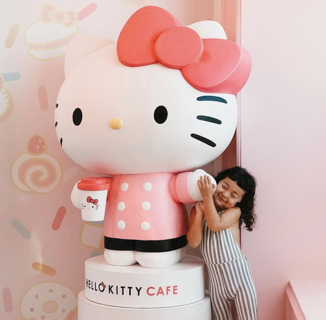 Hello Kitty Cafe's photo on #NationalMakeAFriendDay