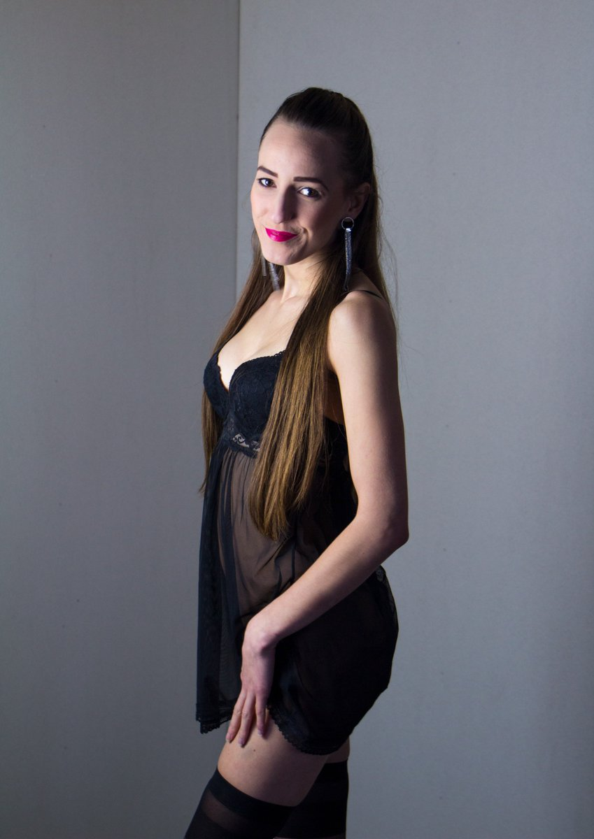 Teen latina nude pornstar