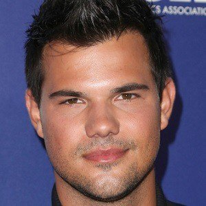 Happy Birthday Taylor Lautner!!  Hopefully one day I get to meet you!