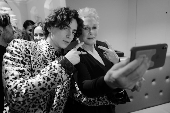 Go behind-the-scenes at the @BAFTA Awards with photos from @GregWInsight https://t.co/YnKQEPdl51 https://t.co/IorLafDhjW