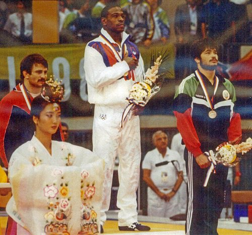 In 1988, @kenny_monday became first African-American wrestler to win an Olympic gold medal. Learn more about Kenny, a Distinguished Member inducted into the National Wrestling Hall of Fame in 2001, at http://ow.ly/qdgd309ecTy #BlackHistoryMonth #NWHOF