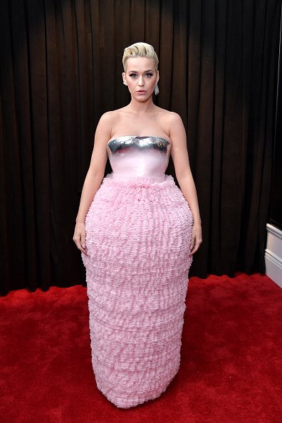 """....and the #GrammyAwards2019 nominees for """"most difficult outfit to go to the loo in"""" are:  Katy Perry Cardi B Kylie Jenner   And the winner is.... <br>http://pic.twitter.com/bTXTJLH9KY"""