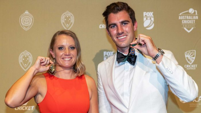 América Hoy's photo on allan border medal