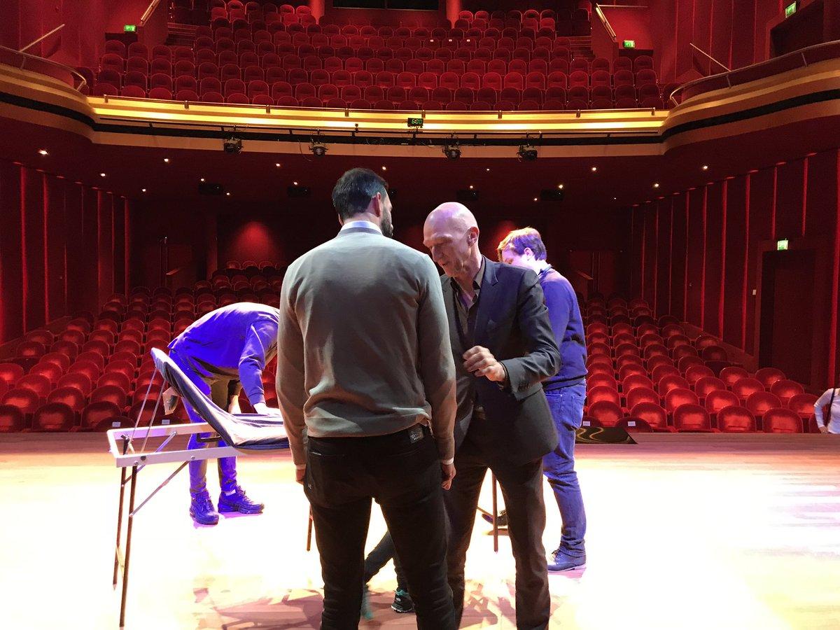 Over minder dan een uur gaan we los! Nog een paar kaarten beschikbaar voor onze theatershow #piekenenfalen. https://delamar.nl/voorstellingen/pieken-en-falen/… – at DeLaMar Theater