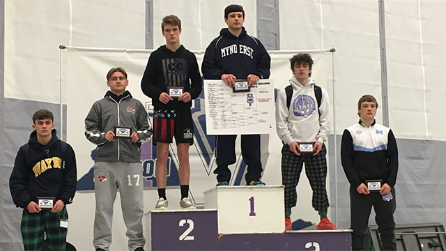 Mynderse senior grappler Trent Youngs qualifies for States