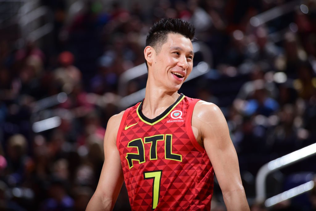 Jeremy Lin is finalizing a buyout with Hawks, clearing the way for him to sign with Raptors, per @wojespn