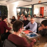 Dans une brasserie Dijonnaise avec les @JeunesRep21 pour leur after-work. Je leur ai présenté le @CD_CotedOr, ses compétences et son territoire. Et tout ça autour d'une mousse 🍺