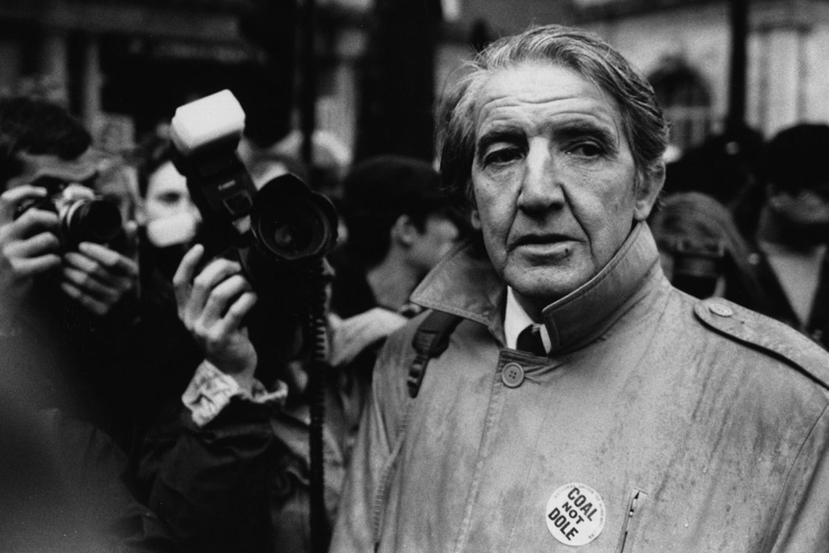 El Christo's photo on Dennis Skinner