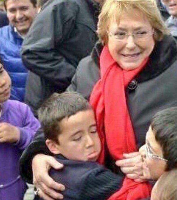 Paula's photo on #QueVuelvaBachelet