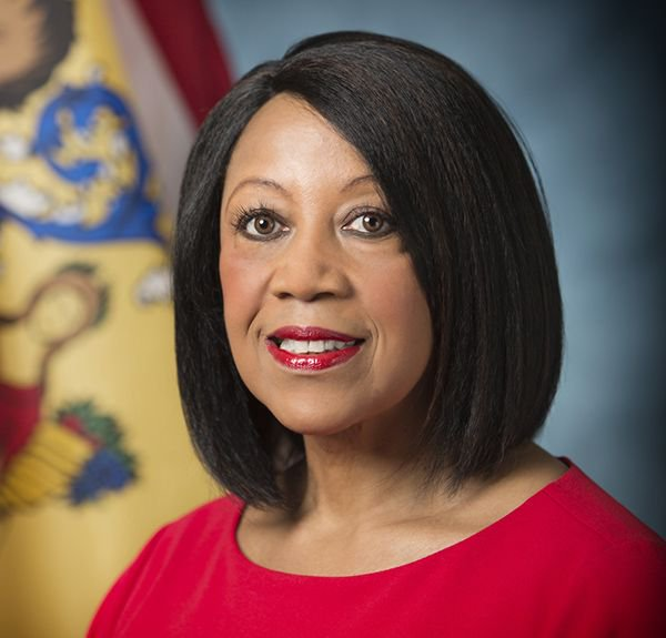 Today for #BlackHistoryMonth we recognize Sheila Oliver @LtGovOliver as the first African American to serve as Lieutenant Governor of NJ & the first African American woman to serve as Speaker of the NJ State Assembly. Thank you for breaking the glass ceiling in government!