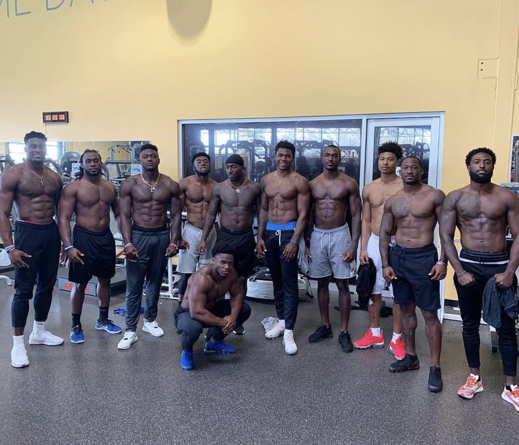 Potential 1st-round WR D.K. Metcalf's (far left) been in the weight room  (via @EXOSsports) https://t.co/0zWDigv7c7