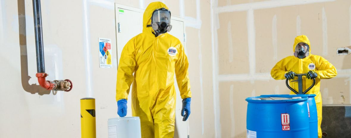 3 COMMON CHEMICALS THAT REQUIRE PROTECTIVE CLOTHING http://ow.ly/BwWf30nANv1   #protectivegear #PPR #PPE #safety #safetyfirst #hazards #hazardousmaterial  #chemicalsplash #chemicalprotection