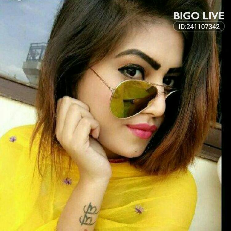 OMG! You have to see this. #BIGOLIVE.   https://t.co/DsaV3O3Ncz https://t.co/icoph174OT