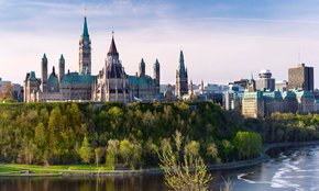 If you don't have a ticket for the #policomm Conference, sign up for the Ottawa mini-conference @School_GC. Your hosts, the fantastic @speaka & @lecnlerc, will facilitate a rich conference experience! Register https://bit.ly/2Sr78cG